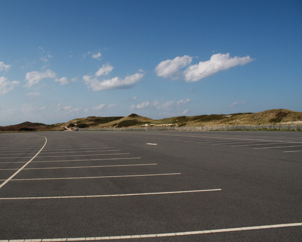 parking lot information for head of the meadow beach